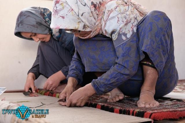 wiązanie turkmeńskiego dywanu